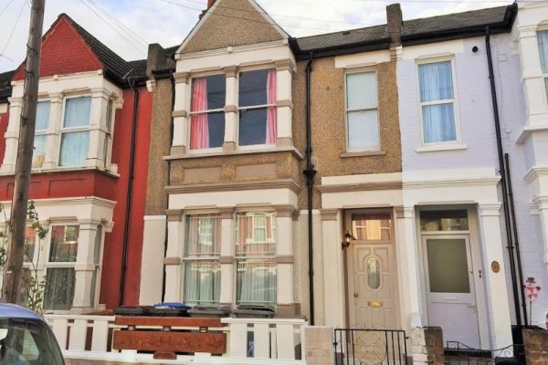3 Bedroom Terraced House - Hazeldean Road