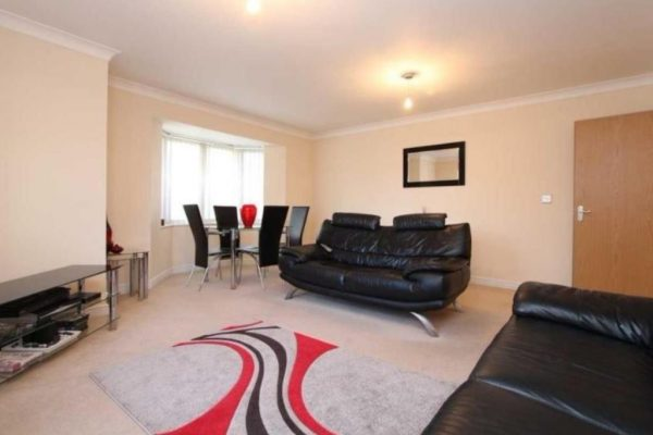 Stunning Two Bedroom Flat - Amber House
