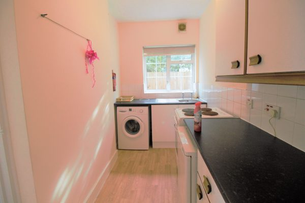 Ground Floor Studio Flat to Rent - Eton Avenue