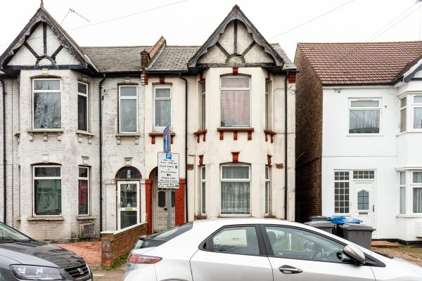 Two Bedroom Freehold Flat for Sale - London Road