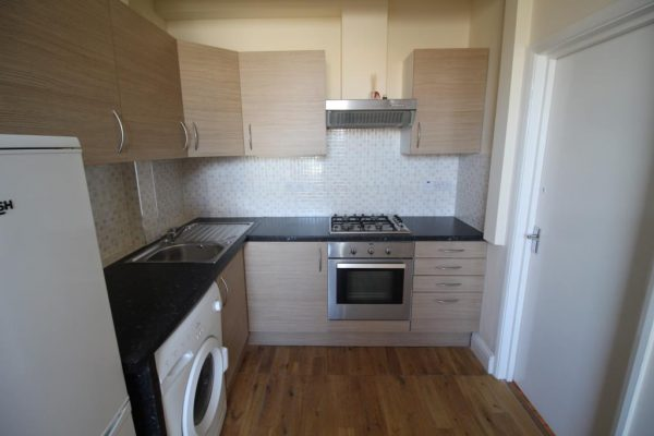 2 Bedroom Flat near Harrow Wealdstone Station