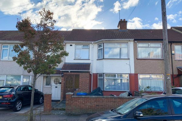 3 Bedroom Extended Terraced House - Greenbank Avenue