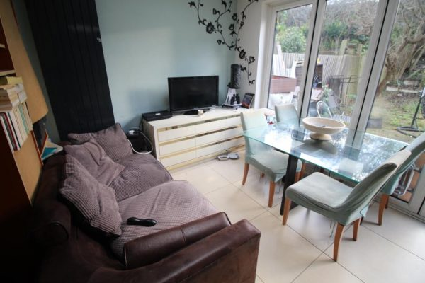 Double Room to Rent - District Road