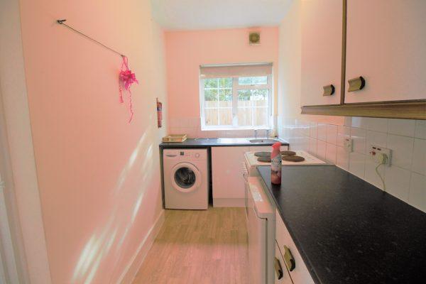 Ground Floor Studio Flat to Rent - Eton Avenue