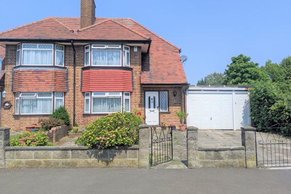 3 Bedroom Semi-detached House - Stilecroft Gardens, HA0