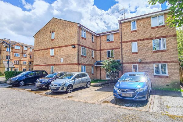 One bedroom first floor flat - Brewery Close