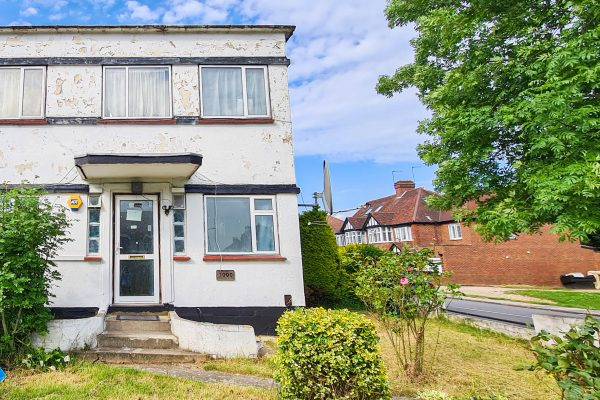 Two bedroom ground floor maisonette - Harrow Road, Wembley, HA0